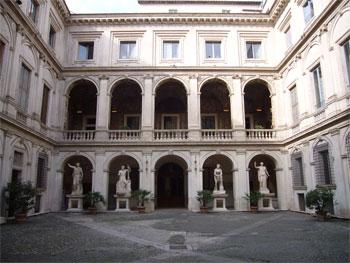 Il cortile di Palazzo Altemps.